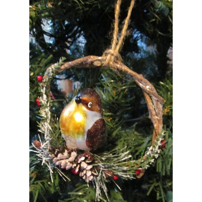Bird wreath of holly